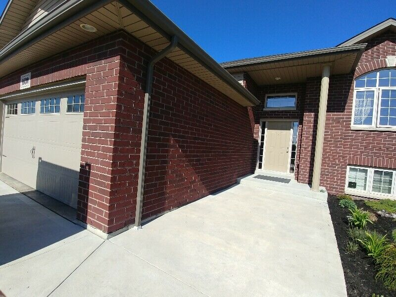 1030 clover ave, 4 Bedrooms Bedrooms, ,2.5 BathroomsBathrooms,Single Family,For Sale,clover,1012