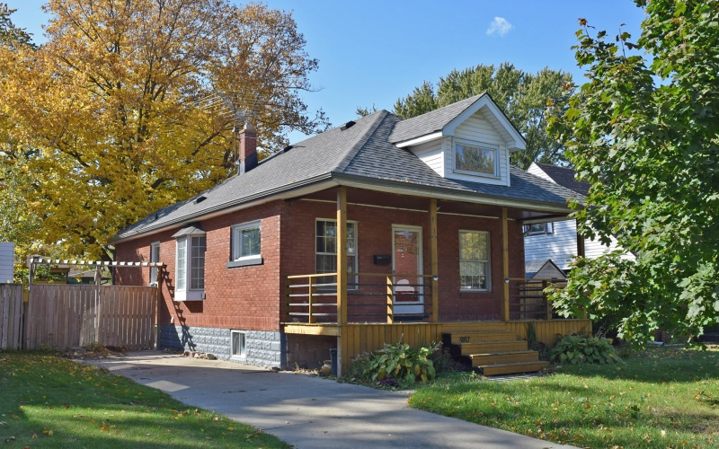 987 Edward ave, 3 Bedrooms Bedrooms, ,1 BathroomBathrooms,Single Family,For Sale,Edward ,1035