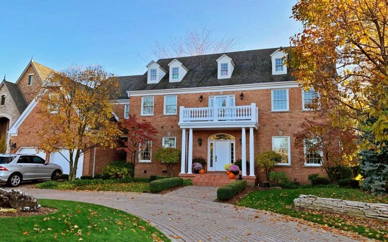 561 Pearl Street, 5 Bedrooms Bedrooms, ,4 BathroomsBathrooms,Single Family,For Sale,Pearl Street,1041